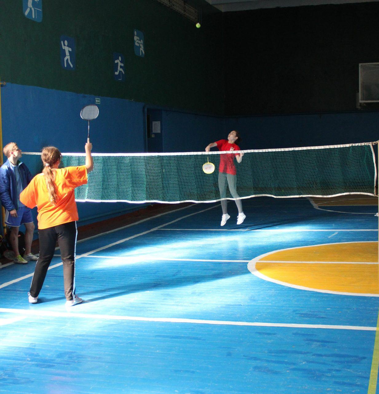 gorodskie-sorevnovaniya-po-badmintonu-3
