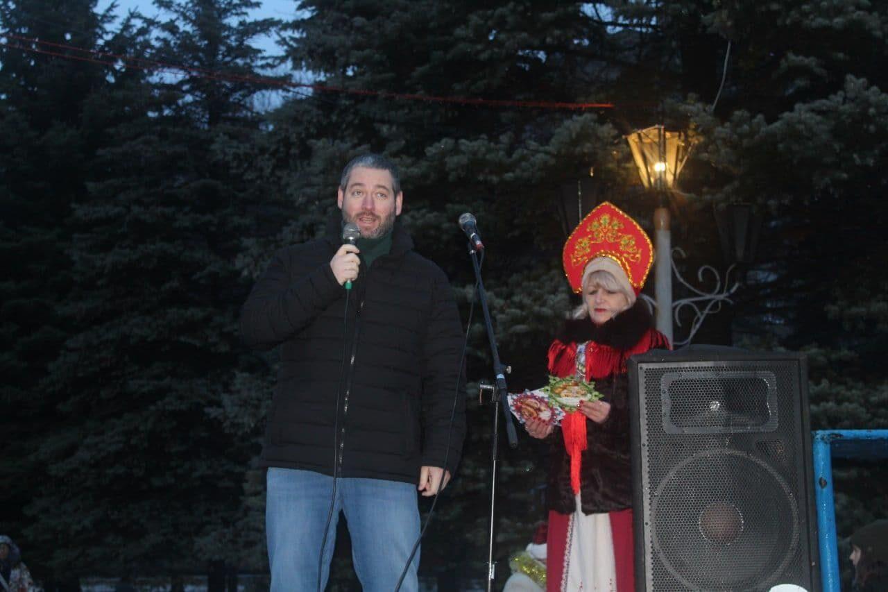 otkritie-gorodskoj-elki-2