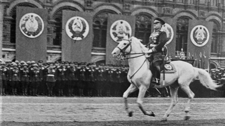 Parad-45-go-glazami-Kugilnogo-4
