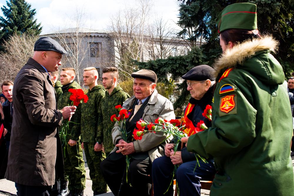 parad-dlya-odnogo-veterana-35