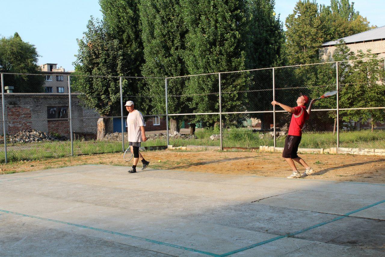 parnij-turnir-po-tennisu-2