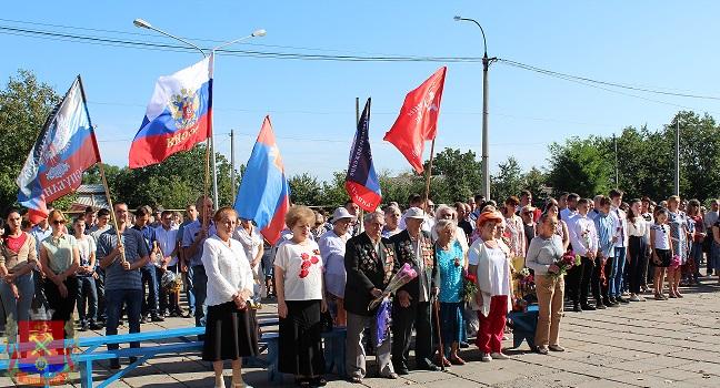 s-dnem-osvogdeniya-Donbassa-miting-5