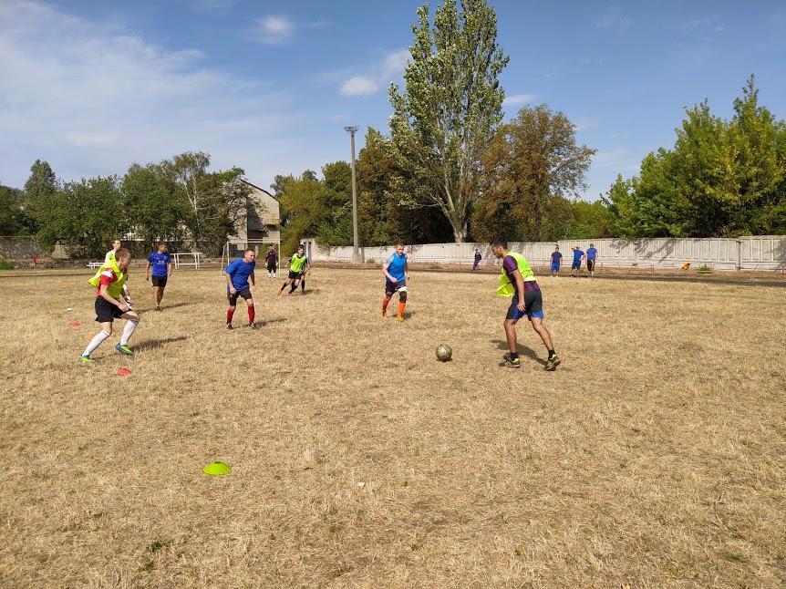 sorevnovaniya-po-mini-futbolu-5x5-5