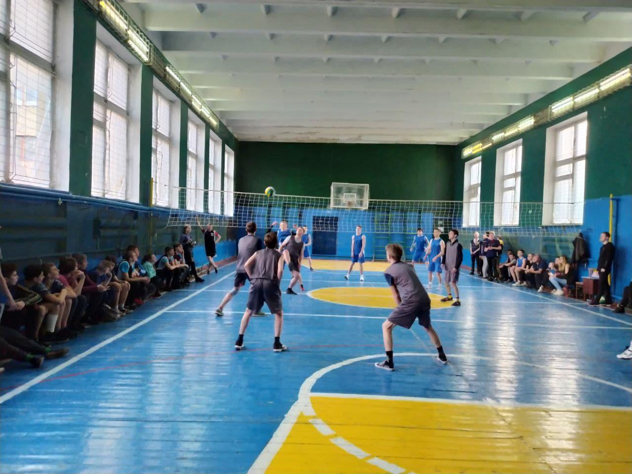 sorevnovaniya-po-volejbolu-1