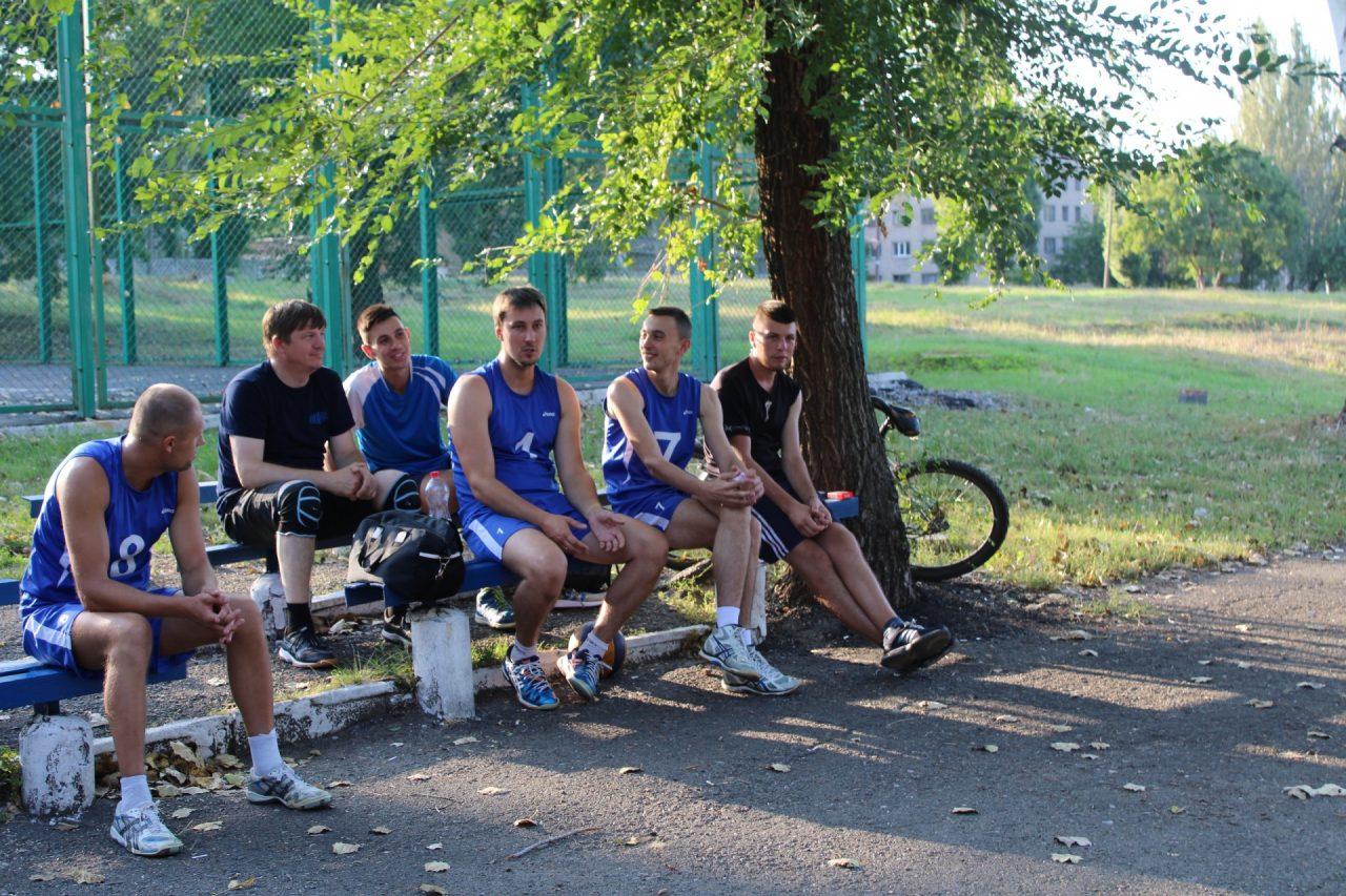 sorevnovaniya-po-volejbolu-29