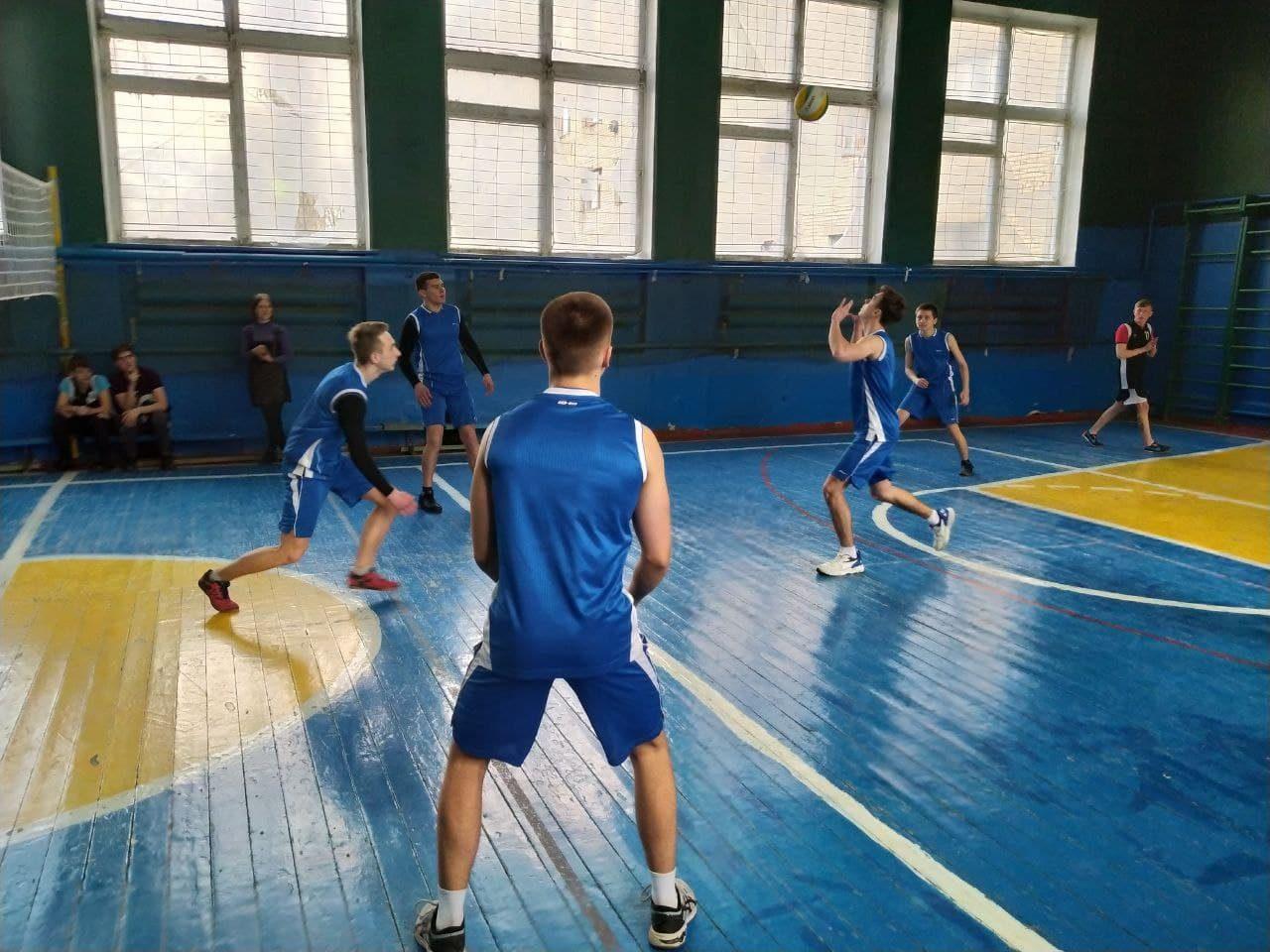 sorevnovaniya-po-volejbolu-3