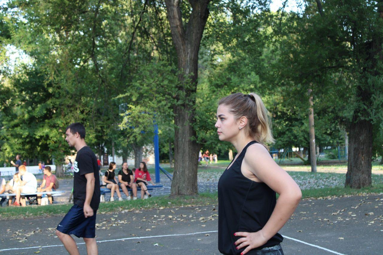 sorevnovaniya-po-volejbolu-36