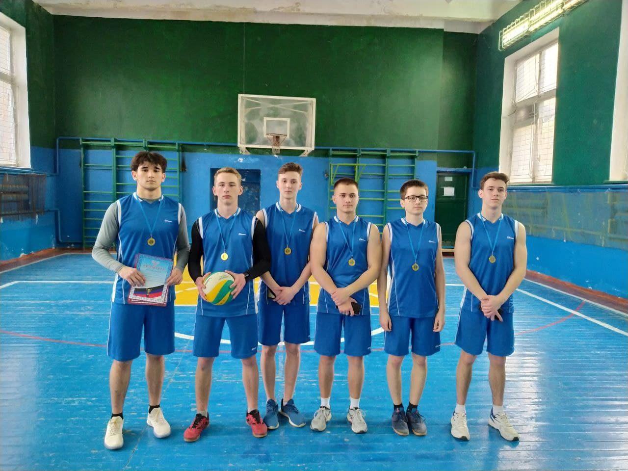 sorevnovaniya-po-volejbolu-9