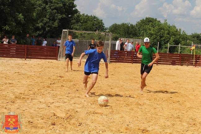 tyrnir-po-futbolu-sredi-dvorovix-komand-12