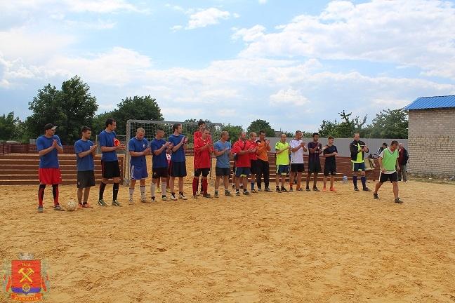 tyrnir-po-futbolu-sredi-dvorovix-komand-26