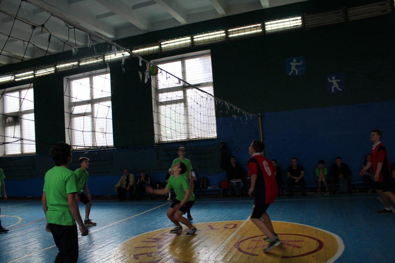 volejbol-yunoshi-10-11-klassi-19