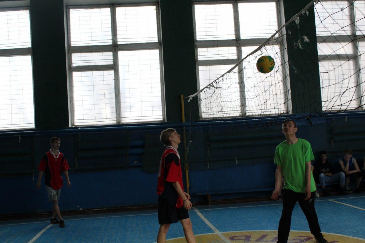 volejbol-yunoshi-10-11-klassi-25