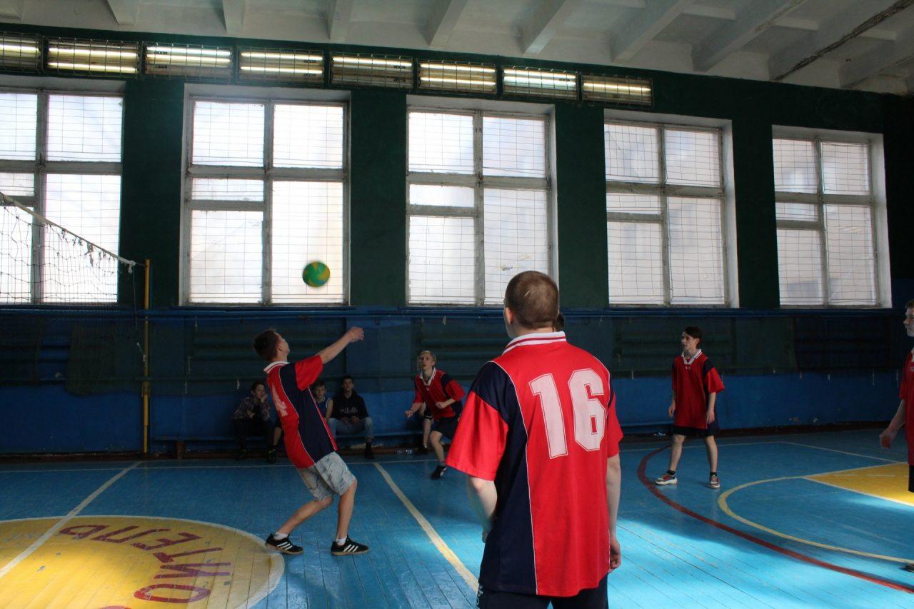 volejbol-yunoshi-10-11-klassi-28
