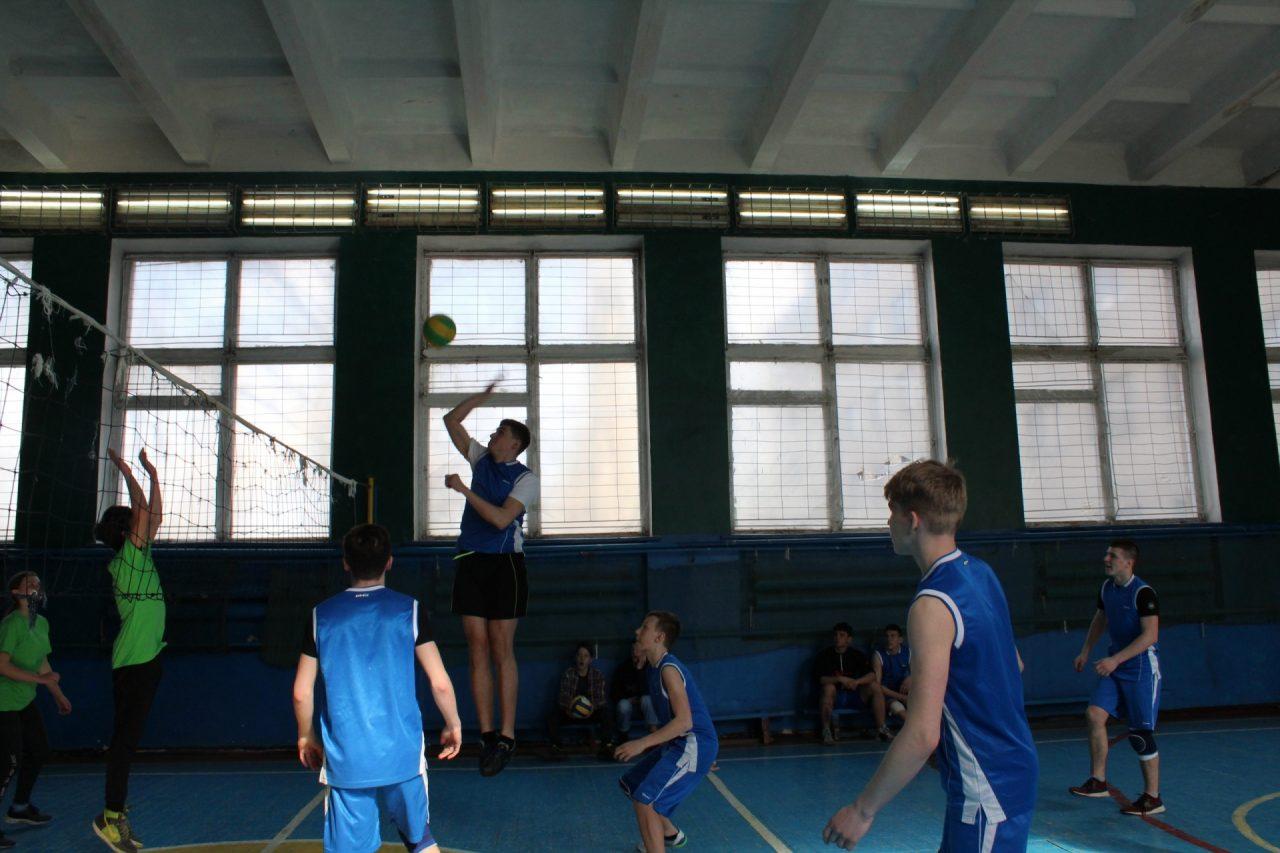 volejbol-yunoshi-10-11-klassi-29