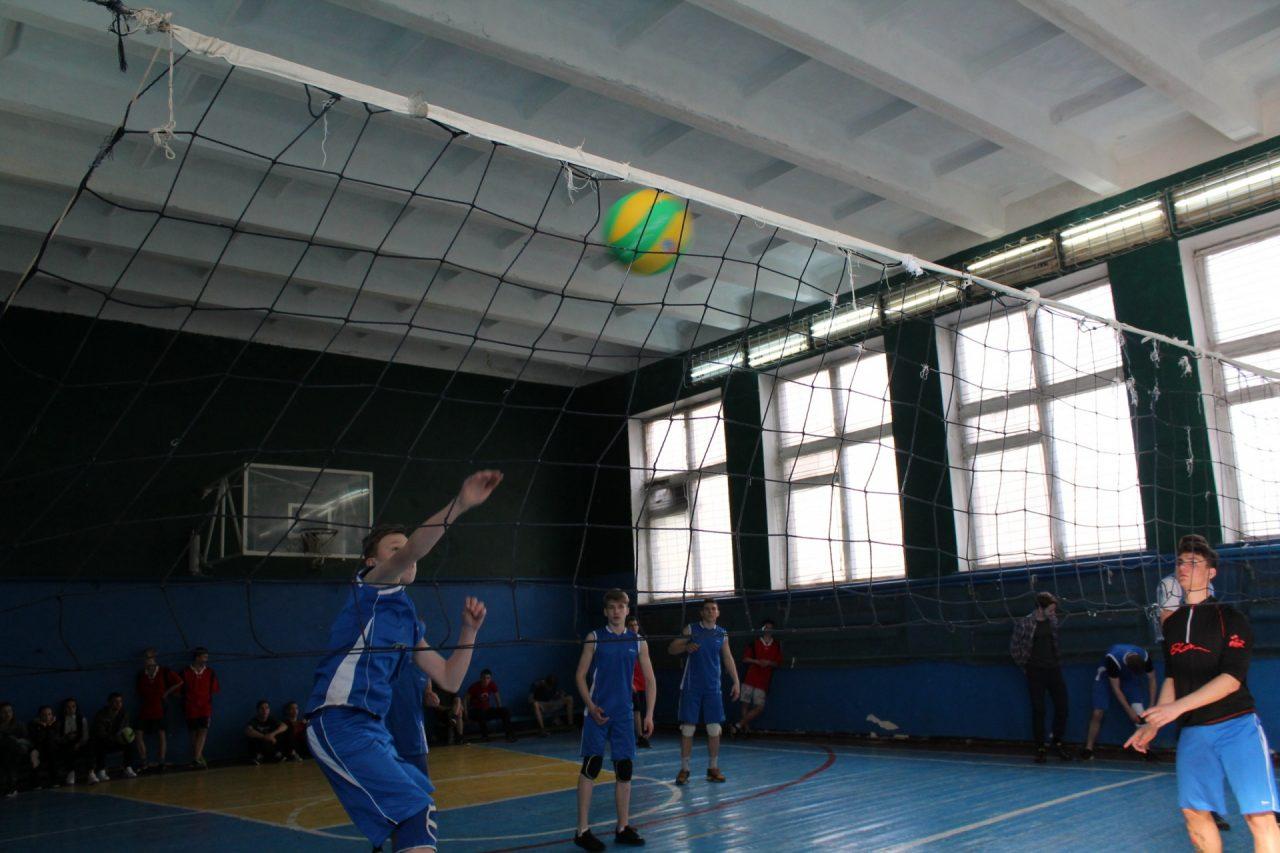 volejbol-yunoshi-10-11-klassi-30