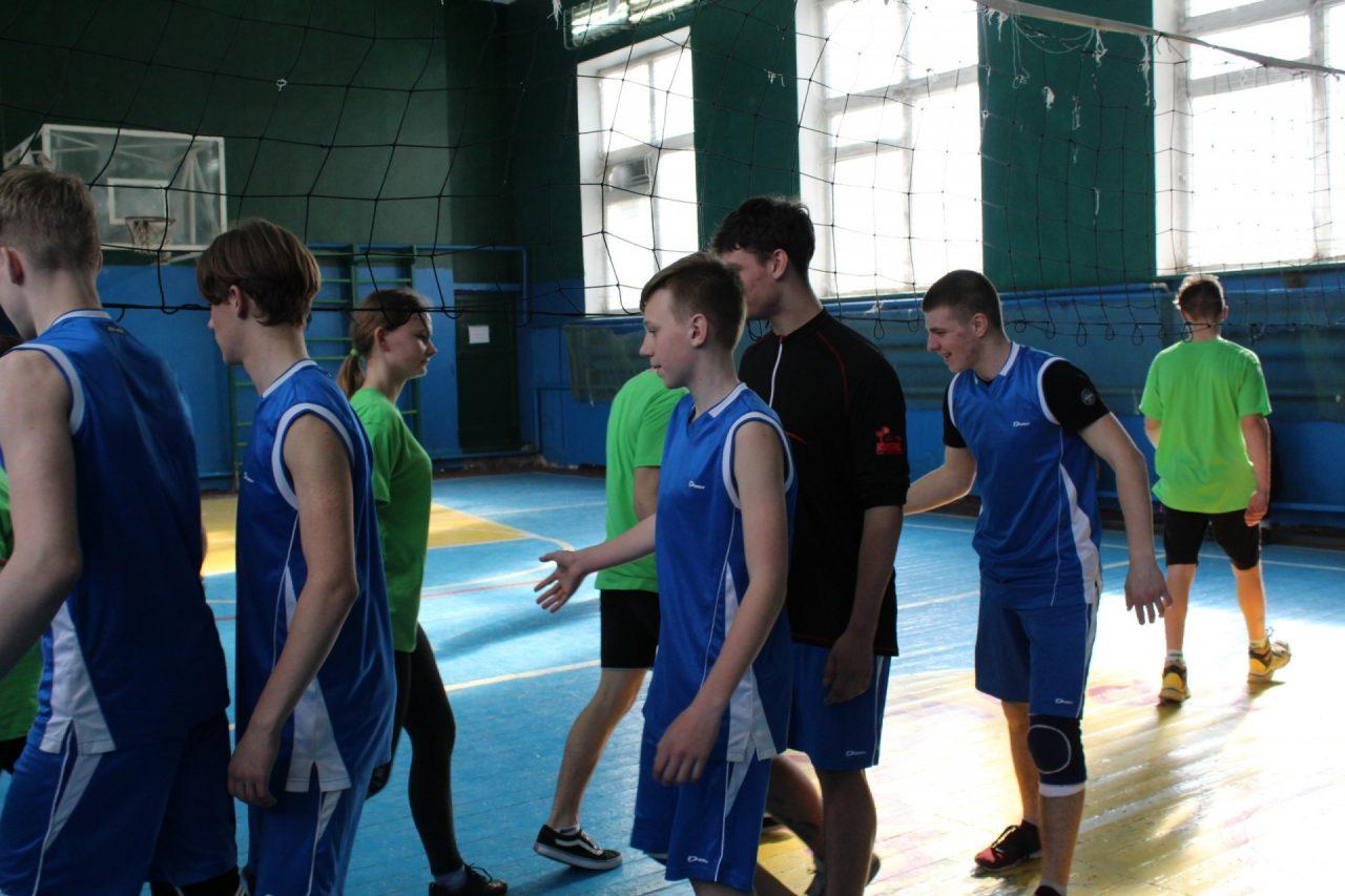 volejbol-yunoshi-10-11-klassi-36