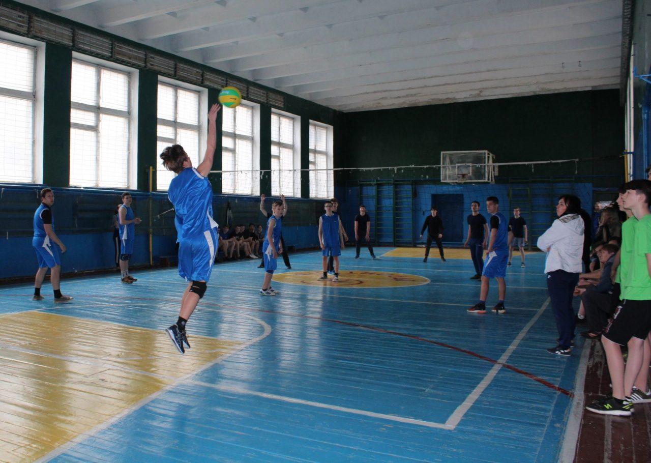 volejbol-yunoshi-8-9-klassi-1