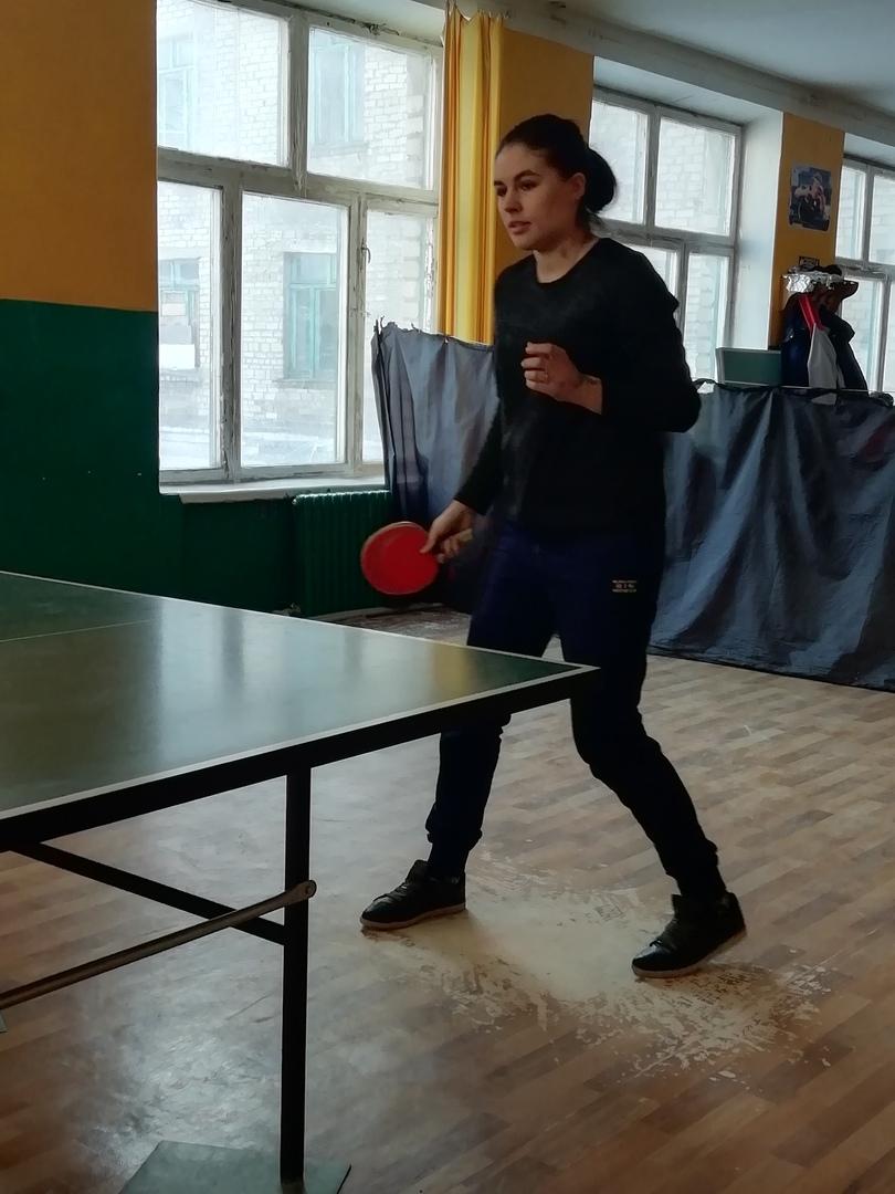zdorovaya-molodeg-nastolnij-tennis-1